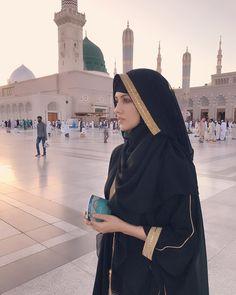 In the worlds bestest place ❤️ Sarkare madina ❣️ #madina #gratitude #allahuakbar #alhamdulillah #ramadan #madina #umrah #blessed