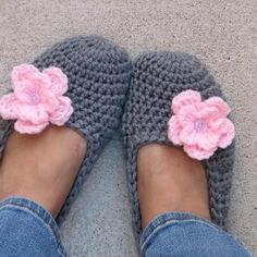 Beautiful Adult Slippers Crochet Pattern Pdf Easy Great for Easy Crochet Slippers Of Best Of Easy Slippers Pattern Free Patterns Easy Crochet Slippers Crochet Socks, Crochet Clothes, Knit Crochet, Crochet Baby, Easy Crochet Slippers, Crochet Crafts, Yarn Crafts, Crochet Projects, Crochet Ideas