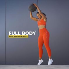 Give this sweaty medicine ball workout a go! Full Body Hiit Workout, Leg Workout At Home, Whole Body Workouts, Hip Workout, Belly Fat Workout, Workout Videos, Workout Circuit, Intense Workout, Workout Ball