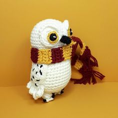 Unravels: Hedwig the owl or Harry Potter - Stofftiere Hedwig Harry Potter, Harry Potter Hermione Granger, Harry Potter Diy, Tricot Harry Potter, Harry Potter Bricolage, Harry Potter Dolls, Harry Potter Crochet, Ron Weasley, Crochet Amigurumi