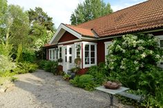 A beautiful Swedish country house and garden visited by Mr, Claus Dalby 2015