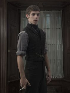 Dr. Victor Frankenstein (Harry Treadaway) Penny Dreadful Season 2 promotional…