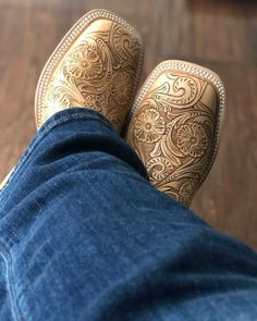 Bootie Boots, Shoe Boots, Western Shoes, Raiders Fans, Country Girls Outfits, Custom Boots, Candy Apple Red, Boot Shop, Horse Stuff