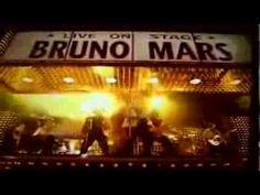 Runaway Baby - Bruno Mars performance - Grammys 2012 [HQ sound]