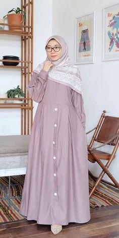 Niqab Fashion, Frock Fashion, Modest Fashion, Fashion Dresses, Muslim Women Fashion, Womens Fashion, Casual Hijab Outfit, Muslim Dress, Mode Hijab