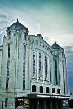 Palais Theatre, St. Kilda, Melbourne, Victoria, Australia [OC] [853 x 1280]