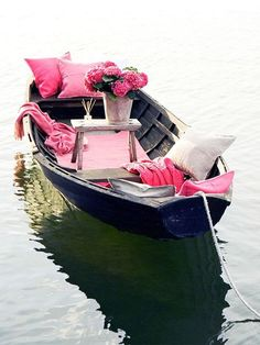 Romantic boat ride with a picnic :) Pink Love, Pretty In Pink, Hot Pink, Pink Black, Pink Pink Pink, Pink Cars, Navy Pink, Lilac, My Favorite Color