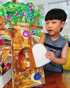 이미지: 사람 1명 Kindergarten Art Projects, School Art Projects, Projects For Kids, Kids Art Class, Art For Kids, Painting For Kids, Drawing For Kids, Art Village, Art Lessons Elementary