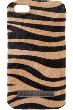 De Animal iPhone 4 Cover van Cowboysbag is een stoere en trendy accessoire voor je smartphone! De Cowboysbag is gemaakt van een harde case met daarop vachtleer in stijlvolle dierenprint. De cover is voorzien van uitsnedes zodat alle functies beschikbaar blijven. De perfecte accessoire voor de iPhone 4 en iPhone 4S!