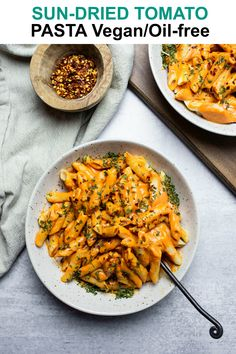 This delicious Sun-Dried Tomato Pasta is so easy to make, full of flavor, thick and creamy and you'd never know it's vegan and oil-free and healthy. It is also low-fat but tastes incredibly rich! Vegan Pasta Sauce, Vegan Ravioli, Vegan Sauces, Vegetarian Recipes, Healthy Recipes, Lunch Recipes, Free Recipes, Dinner Recipes, Cauliflower Pasta