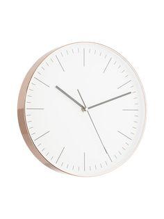 Virtaviivaisen seinäkellon kellotaulu on valkea. Metallikehyksisen kellon halkaisija on 29,8 cm ja leveys 4,1 cm.