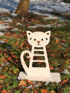 Check out this item in my Etsy shop https://www.etsy.com/listing/211693569/large-jewelry-holder-cat-wooden-jewelry