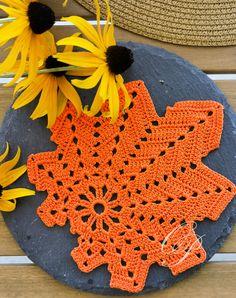 Eco Friendly House, Decorations, Blanket, Crochet, Home Decor, Blankets, Dekoration, Knit Crochet, Interior Design