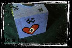 Skeleton love box