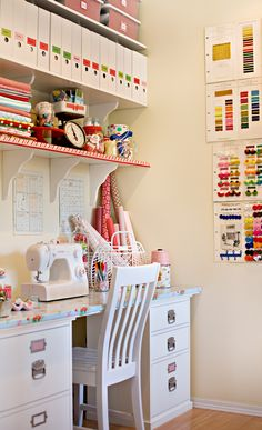 Love this sewing room!! My Sewing Room, Sewing Spaces, Sewing Rooms, Sewing Desk, Sewing Tables, Sewing Box, Free Sewing, Sewing Patterns Free, Home Crafts