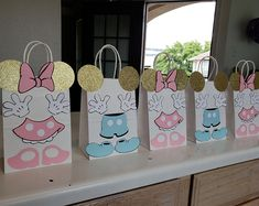 Set of 10 Mickey and Minnie Mouse Baby Shower/ Birthday Party (Set of Favors/ Bags/ Goodie/ Goody/ Gifts/ Treat Bags/ Decoration Minnie Mouse Rosa, Minnie Mouse Favors, Minnie Mouse Baby Shower, Minnie Mouse Party, Party Gift Bags, Mickey Mouse Birthday, Mickey And Friends, Birthday Party Favors, Birthday Parties