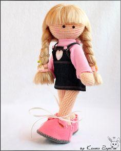 Вязаные игрушки Зайкиной Ксюшки: Вязаная куколка Полинка