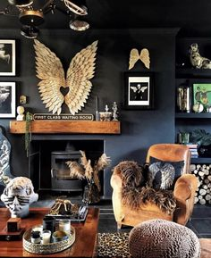 Every Room in a Barn-Turned-Home Is Dark, Bold, and Spectacularly Sassy - Dark Wall Color Decor Inspiration Maximal Home Photos Navy Living Rooms, Living Room Decor, Bedroom Decor, Dark Walls Living Room, Manly Living Room, Dark Rooms, Colorful Furniture, Colorful Decor, Eclectic Frames
