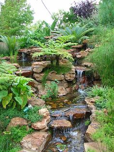 56 Backyard Ponds And Water Garden Landscaping Ideas 56 Hinterhof Teiche und Wassergarten Landschaftsbau Ideen Backyard Water Feature, Ponds Backyard, Backyard Waterfalls, Koi Ponds, Garden Ponds, Backyard Stream, Garden Stream, Water Falls Backyard, Backyard Ideas