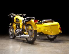"""*Pannonia with a """"Duna Sidecar from 1973 European Motorcycles, Cars And Motorcycles, Classic Bikes, Cycling Bikes, Vespa, Vintage Images, Motor Car, T5, Motorbikes"""