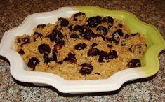 REŢETE DE POST. Din zona Horezu, judeţul Vâlcea, va prezentăm o reţeta delicioasă de post: mâncare de prune uscate cu orez. Plum, Cereal, Oatmeal, Deserts, Food And Drink, Cookies, Breakfast, Mai, The Oatmeal