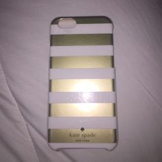 Kate Spade iPhone 6 case Adorable cream and gold iPhone 6 case! Used for just a few weeks. kate spade Accessories Phone Cases