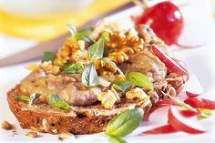 Das Rezept für Auberginenaufstrich + Brot mit allen nötigen Zutaten und der einfachsten Zubereitung - gesund kochen mit FIT FOR FUN