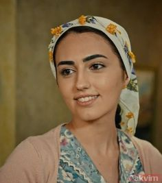 Turkish Actors, Eyebrows, Cooking Recipes, Fashion, Movies, Earth, Moda, Eye Brows, Fashion Styles
