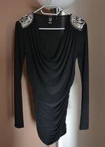 elegancka, dopasowana, czarna sukienka z długim rękawem Windsor