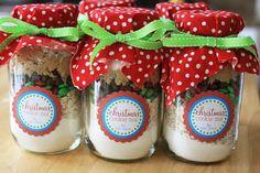 Christmas Cookies in a Jar + {Free Printable}