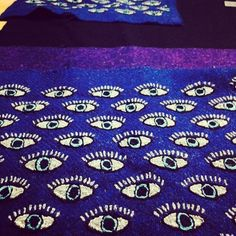 Piirsin silmiä ja käsityöläiset ompelevat niitä nyt Pakistanissa tweed-kankaalle. Mahtavaa!regram @twilling_tweeds Stay tuned....new collection coming out on 16th May!  #ethicalfashion #accessories #tribal #textile #evileyes #lovetweed #harristweed #scotland #outerhebrides #mountians #hindukush #handmade #pakistan #artisanmade #comingsoon #fusion #crosscultural #contemporarycraft #fashion #fairtrade #traditions #handembroidery