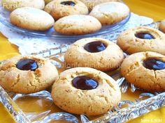 Fursecuri cu unt de arahide 1 Unt, Doughnut, Muffin, Breakfast, Desserts, Food, Breakfast Cafe, Tailgate Desserts, Muffins
