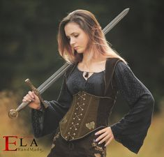 Ela Vintage and Handmade by ElaVintageHandmade on Etsy Medieval Fashion, Medieval Clothing, Female Armor, Warrior Princess, Bad Princess, Costume Design, Costumes, Trending Outfits, Clothes