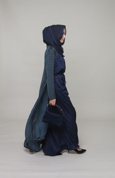 Blue dress w long patterned cardigan. Love the hidden effect (hijab covers side of face and the LONG cardigan draped over on top-I so this all the time)