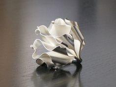Einzelring, Silber, zerknittertes Papier von Emilie Bliguet Schmuck auf DaWanda.com