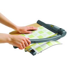 Swingline ClassicCut Laser Trimmer- 15 Sheets-, Grey