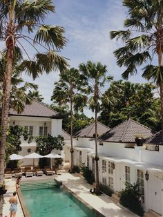 First day in Bali and we are already infatuated with every little thing here… Can not wait to spend a week traveling around the island  Currently: Seminyak, staying in the beautiful...