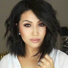 Layered Short To Medium Haircuts for Round Faces