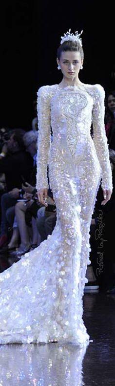 Regilla ⚜ Guo Pei F/W 2016-17 Haute Couture