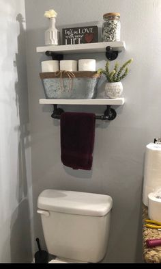 Double bathroom shelf with towel rack made from Reclaimed Wood and Industrial Pipe Industrial Shabby ideas remodel bathroom design bathrooms ideas paint ideas small Diy Bathroom, Rustic Toilets, Shabby Chic Bathroom, Small Bathroom Decor, Chic Bathrooms, Small Bathroom, Towel Rack, Farmhouse Bathroom Organizers, Bathroom Design