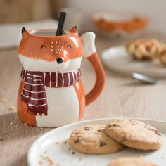 Porcelain Fox Mug on Maisons du Monde. Ceramic Cups, Ceramic Pottery, Childrens Mugs, Sharpie Paint Pens, Cool Mugs, Cookies Et Biscuits, Cute Food, Mug Designs, Coffee Mugs