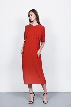 T H E - M I N I M A L I S T...relaxed red gown