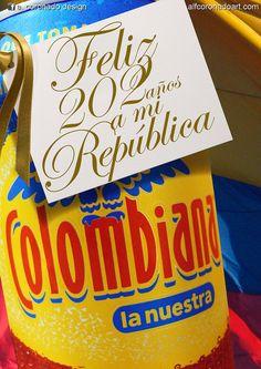 Colombiana La Nuestra!  Muy chévere que personas como tú, al igual que yo, se interesen por mostrar al resto del mundo las cosas buenas que tiene nuestro hermoso pais. Colombian Cuisine, The World, Good Things, Fruits And Vegetables, Branding, Earth, Countries, Products
