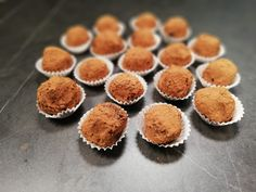 RAW recept na nepečené guľky na jedno zahrýznutie a rovno do bruška. Muffin, Tv, Breakfast, Food, Morning Coffee, Television Set, Essen, Muffins, Meals