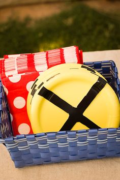 yellow paper plates with black electrical tape = a great decoration for a train party!