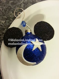 It's a Hoot!: Other Ways I Spend My Time: Holiday Crafting It's a Hoot!: Other Ways I Spend My Time: Holiday Crafting Mickey Mouse Christmas Tree, Mickey Mouse Ornaments, Disney Christmas Decorations, Disney Ornaments, Christmas Ornaments To Make, Christmas Balls, Christmas Themes, Holiday Crafts, Christmas Holidays