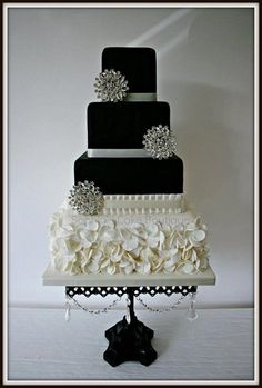 Soma Sengupta Indian Wedding Cakes- Black & White Sophistication!