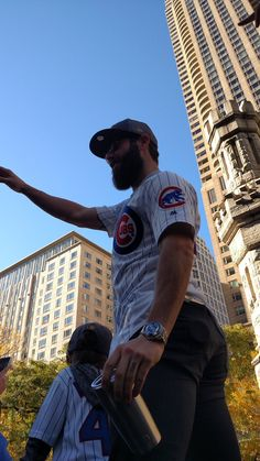 Jake Arrieta,CHC//World Series victory parade in Chicago,Nov 4 ,2016