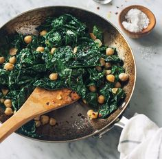 Spicy Sautéed Kale and Chickpeas Spicy Sauteed Kale and Chickpeas Chickpea Recipes, Vegetable Recipes, Vegetarian Recipes, Healthy Recipes, Cooked Kale Recipes, Healthy Cooking, Healthy Eating, Cooking Recipes, Sauteed Kale