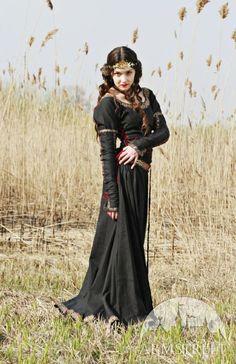 "Black Medieval Dress ""Lady hunter"""